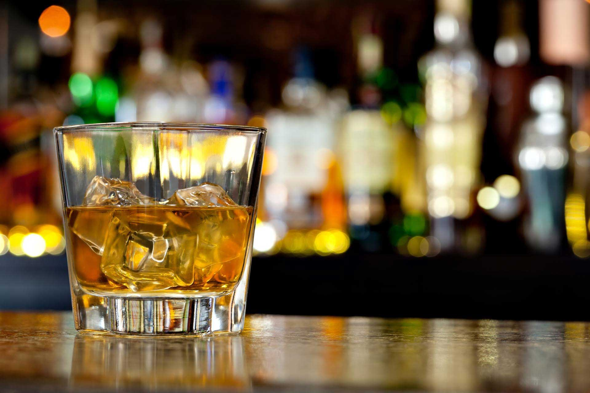 Alcoholism – The various treatment options for a Sober Living